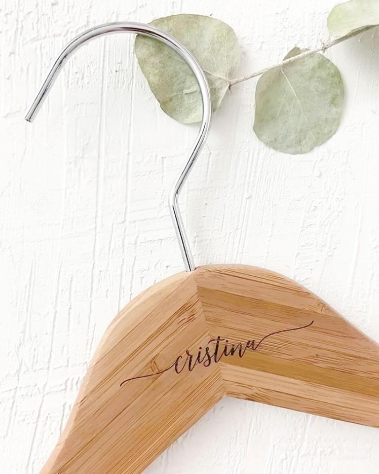 Percha Personalizada Bambú con Nombre Grabado