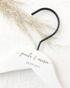 percha blanca nombres fecha boda